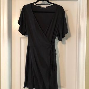 Clad and cloth s/s wrap dress